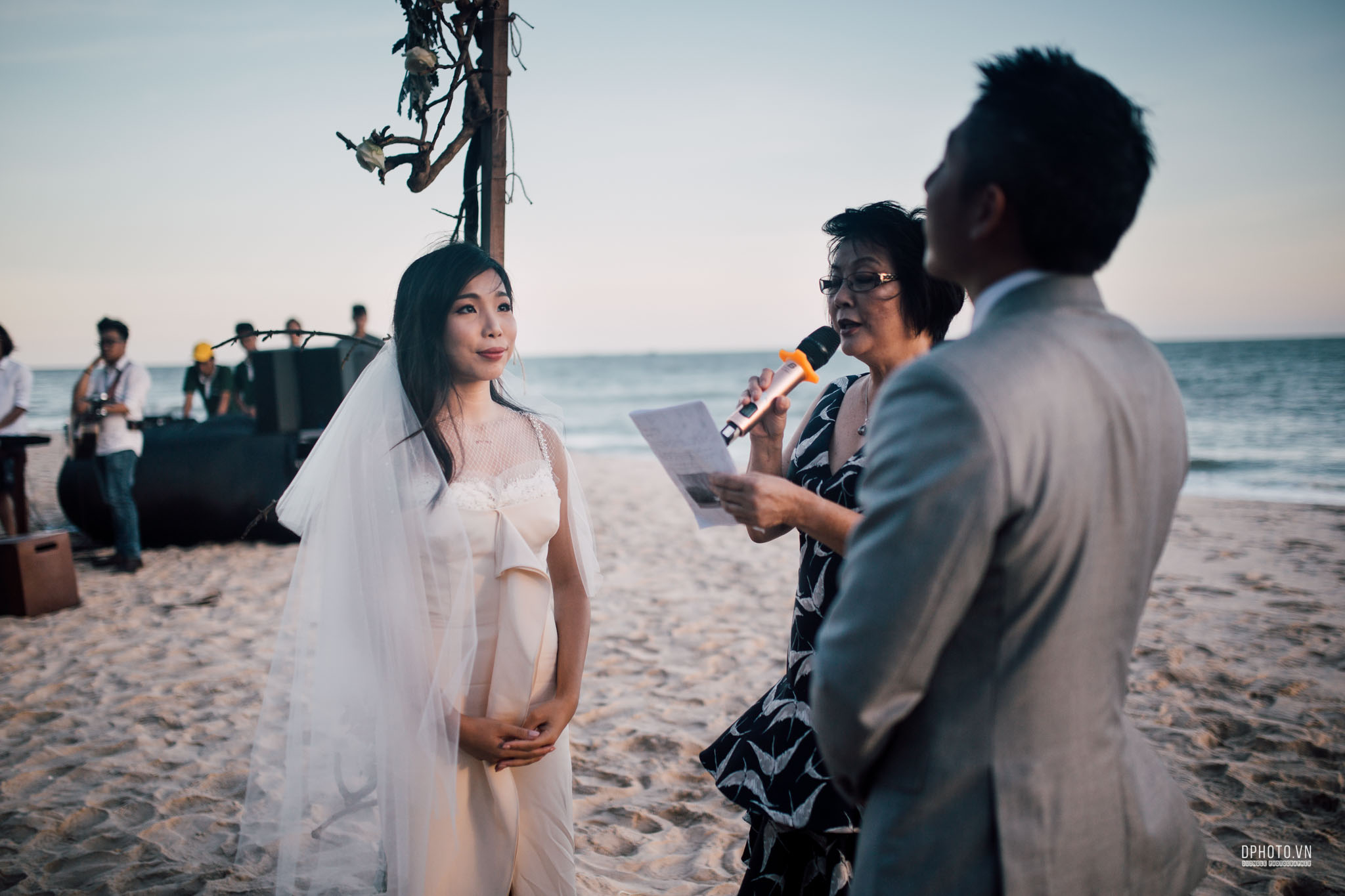 vietnam_destination_beach_wedding_photographer_ho_tram_186