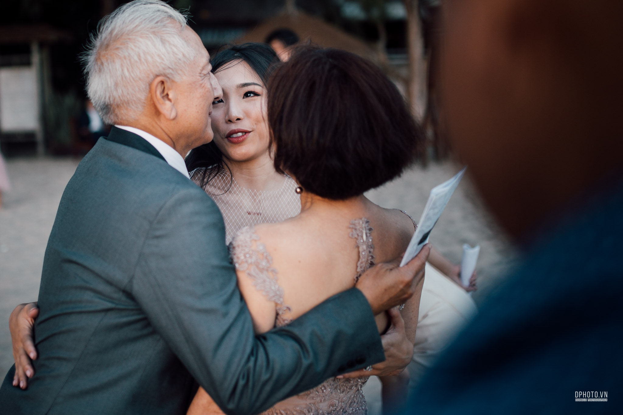 vietnam_destination_beach_wedding_photographer_ho_tram_201