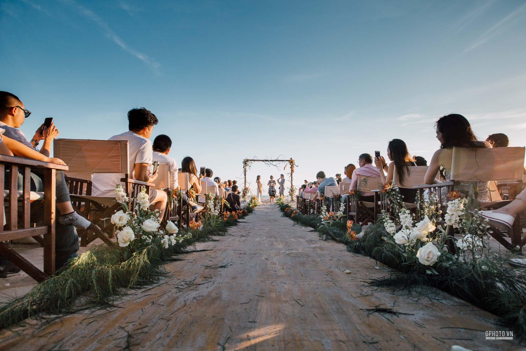 vietnam destination beach wedding photographer