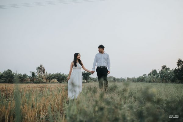 Engagement on paddy field vietnam